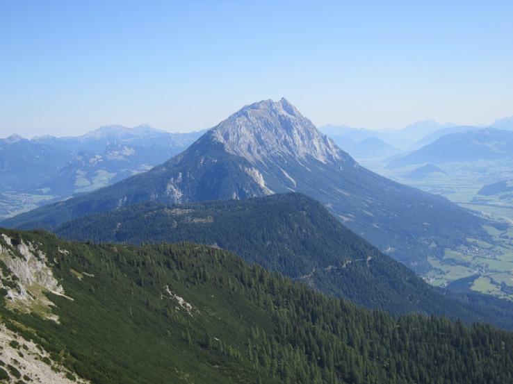 Grimming od západu zo svahov Kammspitze