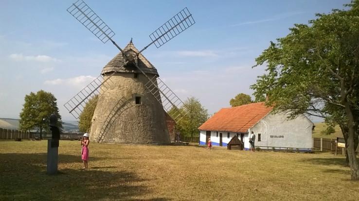 Veterný mlyn Kuželov (autor foto: Andrej Sijka)