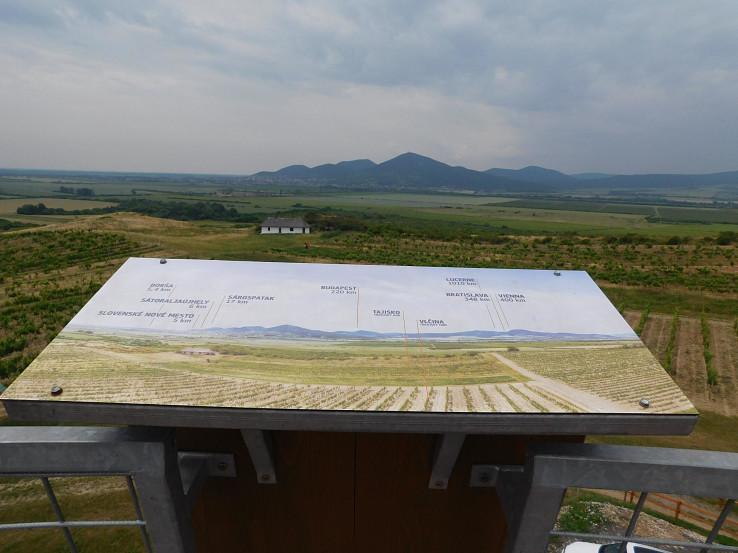 Pohľad smerom k Magas-hegy nad Sátoraljaújhely (Nové Mesto pod Šiatrom)