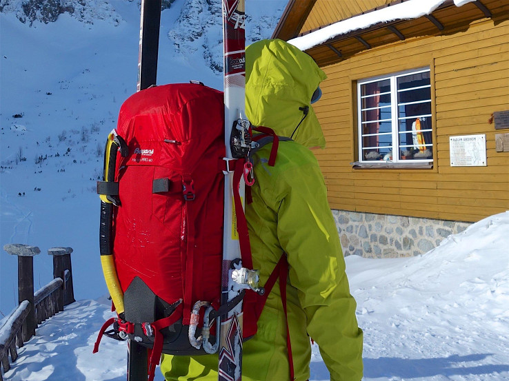 Batoh Bergans Helium Pro je určený najmä do zimných podmienok