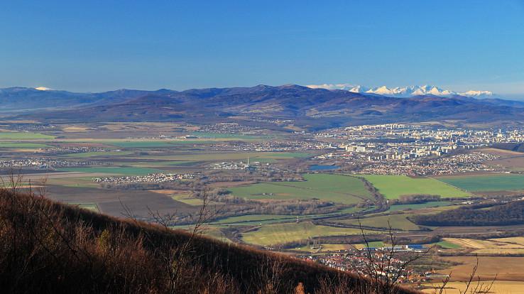 Košice, Tatry a Kráľova hoľa z Bradla