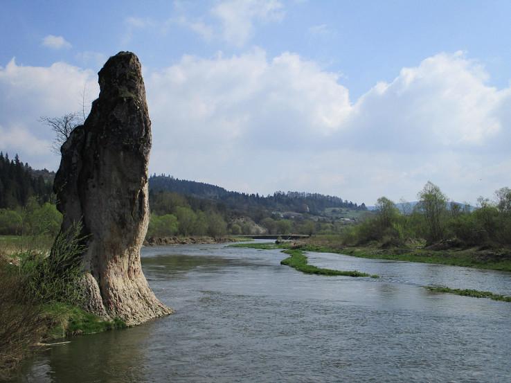 Čertova skala - Skamenený mních pri rieke Poprad