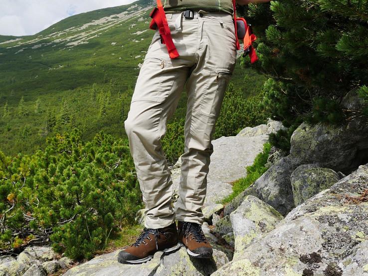 Fjällräven Abisko Shade Trousers – všestranné outdoorové nohavice do teplejšieho počasia