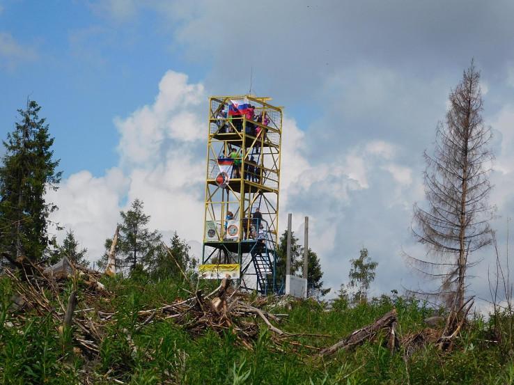 Vrchol Turecká s vyhliadkovou vežou