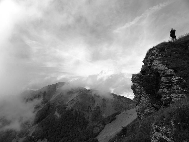 Stoh v hmle (autor ilustračnej fotografie: Tomáš Trstenský)