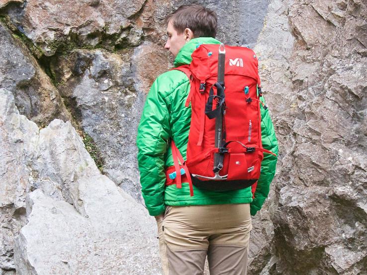 Ľahký technický batoh najmä pre lezcov, no vhodný aj na VhT či skialp