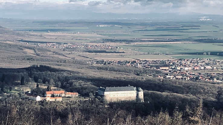 Hrad Červený Kameň a Podunajská nížina