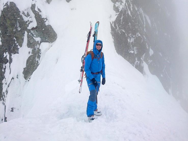 Fjällräven Keb Touring je set bundy a nohavíc pre ľahší skialp v pomalšom tempe, backcountry lyže a zimnú turistiku (foto: Marek Šúň)