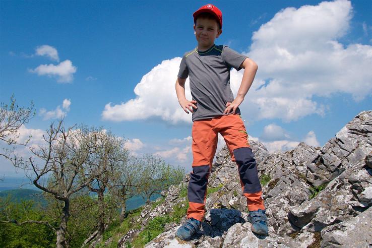 Skogstad Lønahorgi sú univerzálne detské nohavice pre outdoorové aktivity