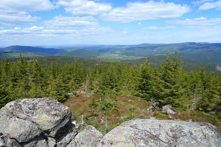 Oblík, výhľad z vrcholu
