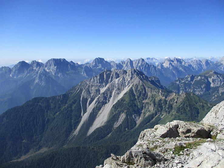 Talianske Karnské Alpy z Monte Avanza