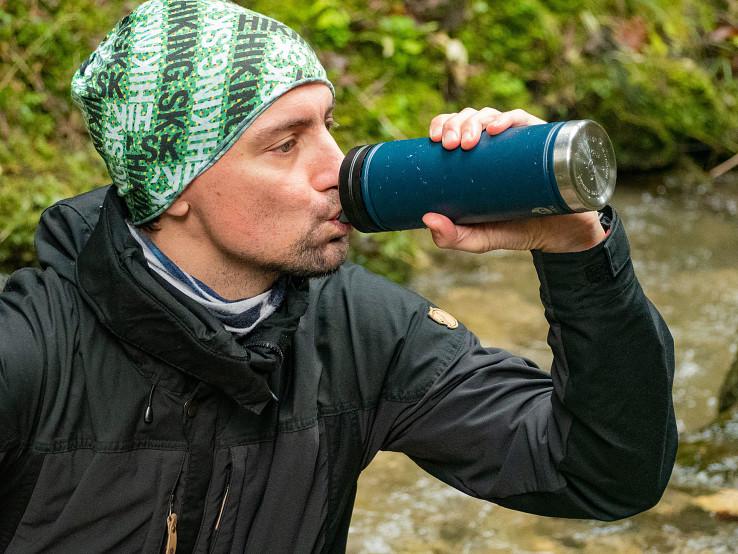 Voda sa filtruje počas pitia