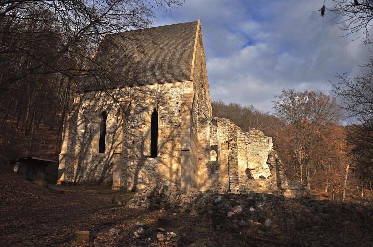 Pohľad na kláštor Martonyi