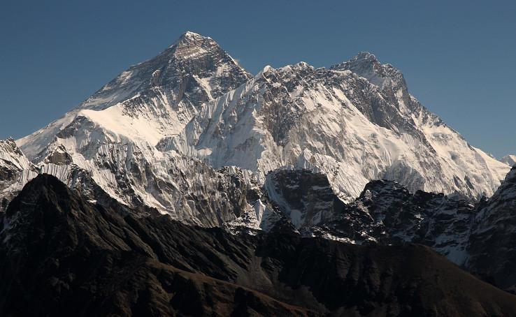 Mount Everest, Nuptse, Lhotse - pohľad zo sedla Renjo La