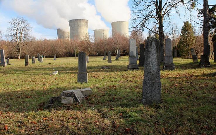 Cintorín v Mochovciach