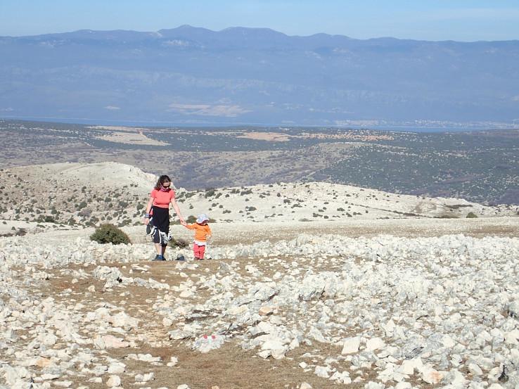 Juh ostrova Krk je plný kamenistých plání