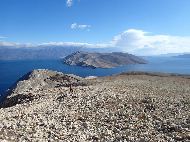 Holé pláne v južnej časti ostrova Krk poskytujú nádherné výhľady