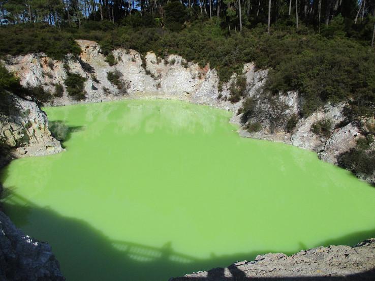 Devil's Bath vo Way-O-Tapu