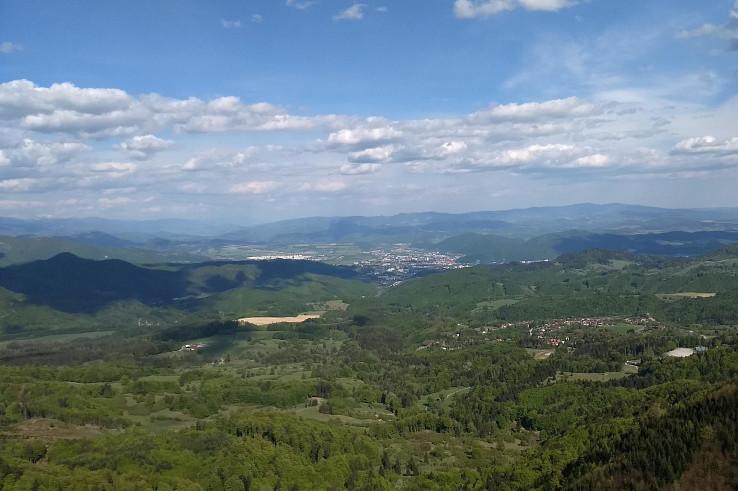 Banská Bystrica a Králiky z vyhliadky na Kremnickej skale