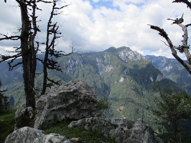 Pohľad na Kamnické Alpy zo svahov Raduhy