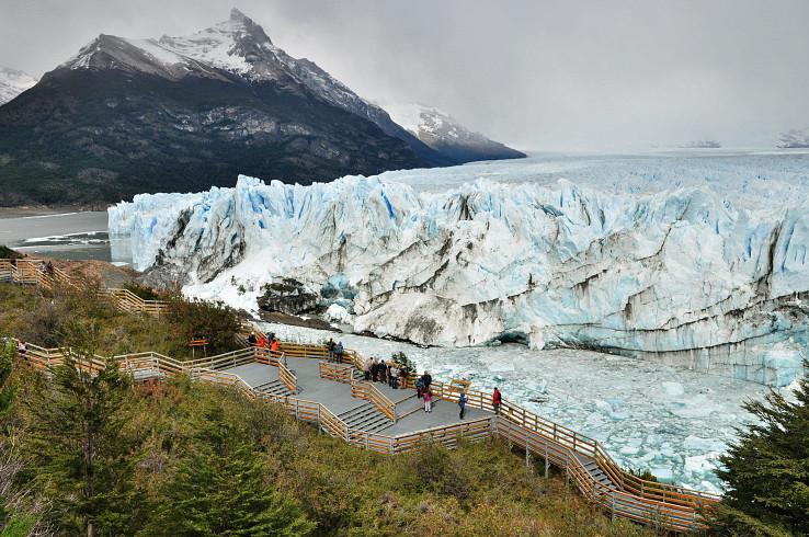 Obrovský ľadovec Perito Moreno je naozaj jednou z top atrakcií Argentíny