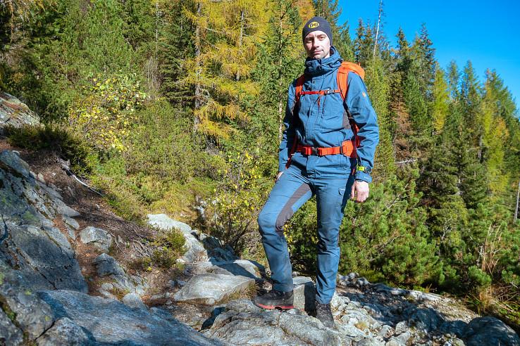 Nohavice a bunda Fjällräven Kaipak sa spoločne najviac hodia na jesenné a jarné obdobie, nohavice samostatne sú univerzálnejšie