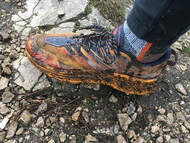 Hoka One One Speedgoat 4 – trailová obuv s dropom 4 mm