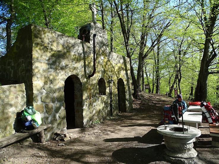 Kamenná útulňa pod kaplnkou sv. Margity