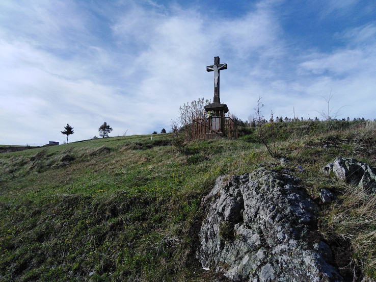 Kríž nad obcou Závadka
