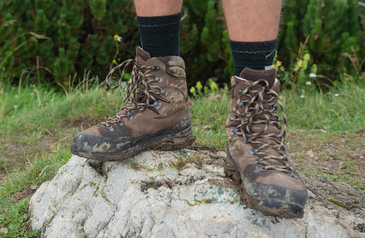 Počas testovania som topánky nešetril ani pred blatom a vlhkom