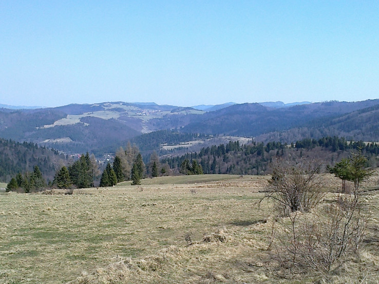 V diaľke Poráč a nižšie Rudňany (autor foto: Henrich Tomáš)