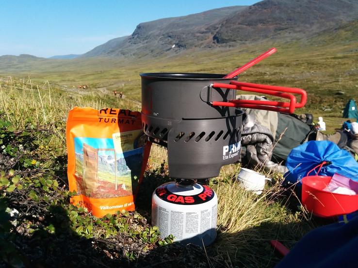 Ohrev vody pre prípravu lyofilizovanej stravy Real Turmat