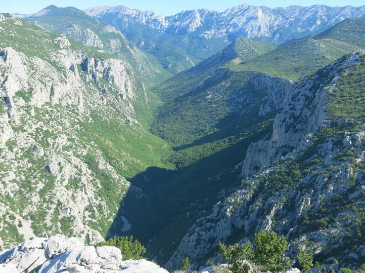 Nádherný výhľad na kaňon Veľkej Paklenice