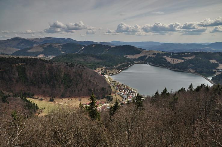 Palcmanská Maša medzi kopcami Slovenského rudohoria