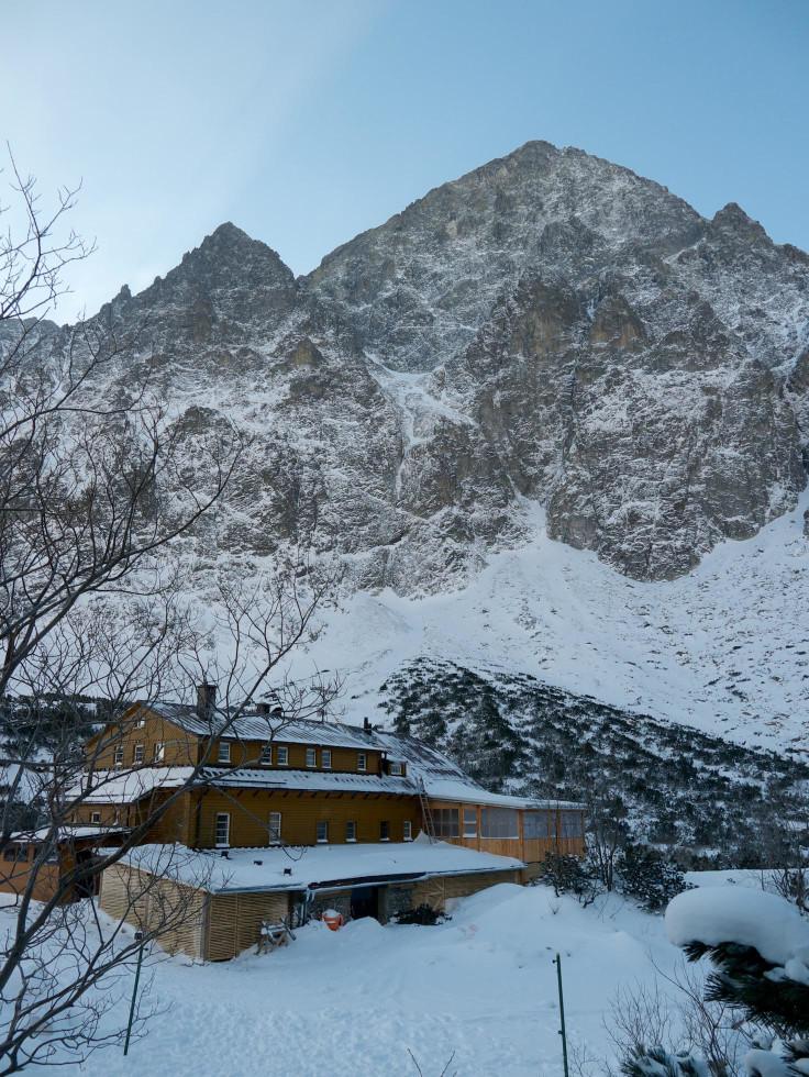 Najväčším horolezeckým lákadlom je severná stena Malého Kežmarského štítu. Väčšina lezcov ju neabsolvuje kompletne a končí svoj výstup na Nemeckom rebríku. Uplynulú zimnú sezónu ju však celú Weberovou cestou vyliezli vo veľmi zlých podmienkach až na vrchol dvaja Poliaci. Tento výstup považuje Tomáš Petrík za najpozoruhodnejší v poslednom období.