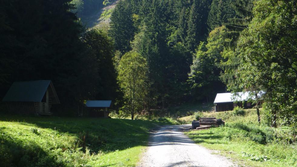 Valčianska dolina, Kúpeľ - koniec cyklotrasy