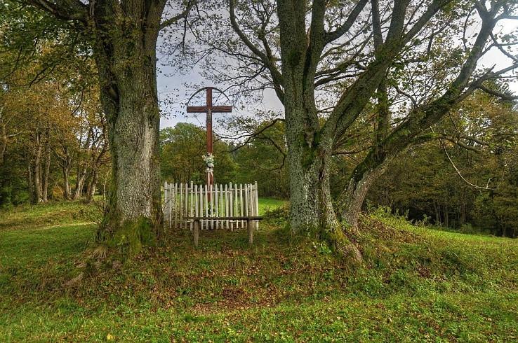 Kríž u Gregušov