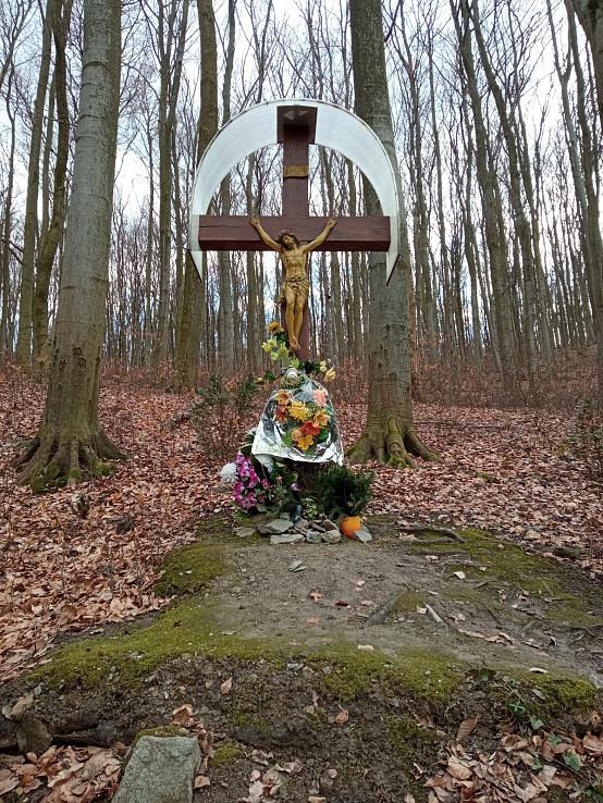 Prameň pátra Pia - kríž