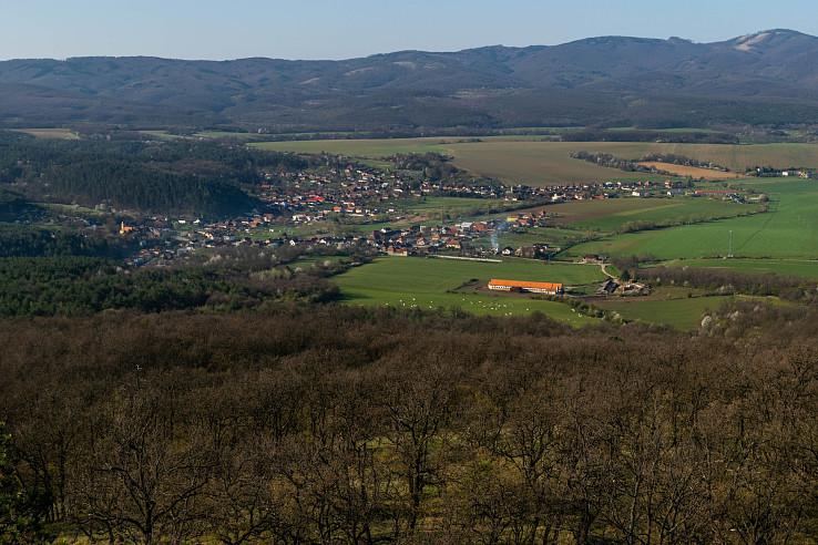 výhľad z rozhľadne Chotenovec