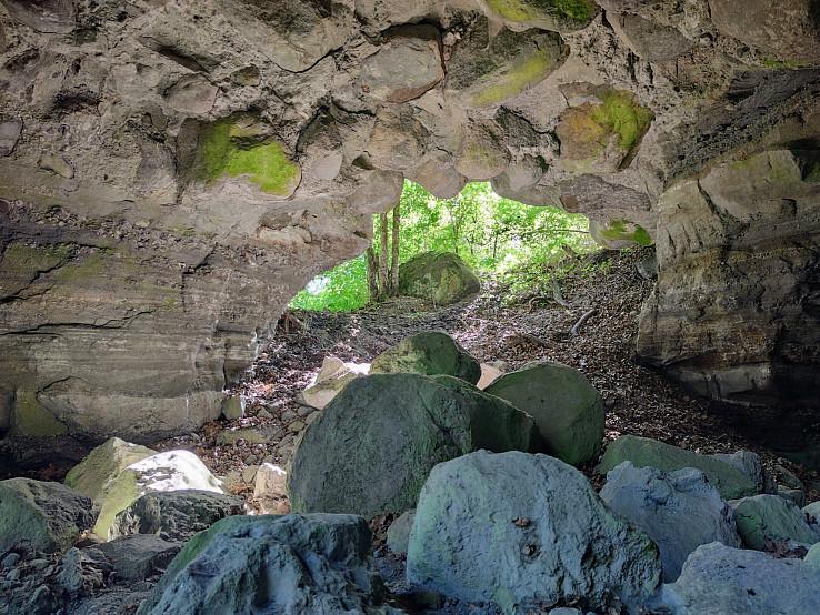 Skalný tunel v Nižnom Skálniku