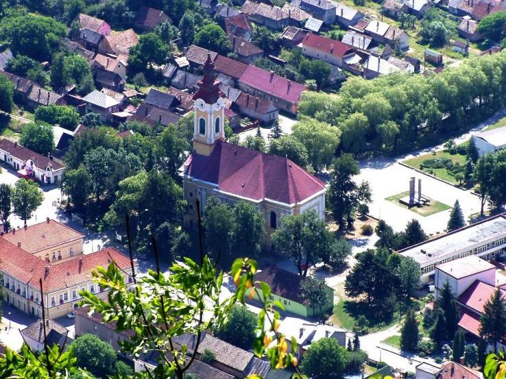 Kostol-dominanta námestia