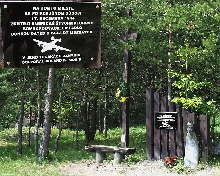 Pamätník pod Kamen.vrátami