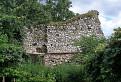 zvyšky muriva vodného hradu Plešivec
