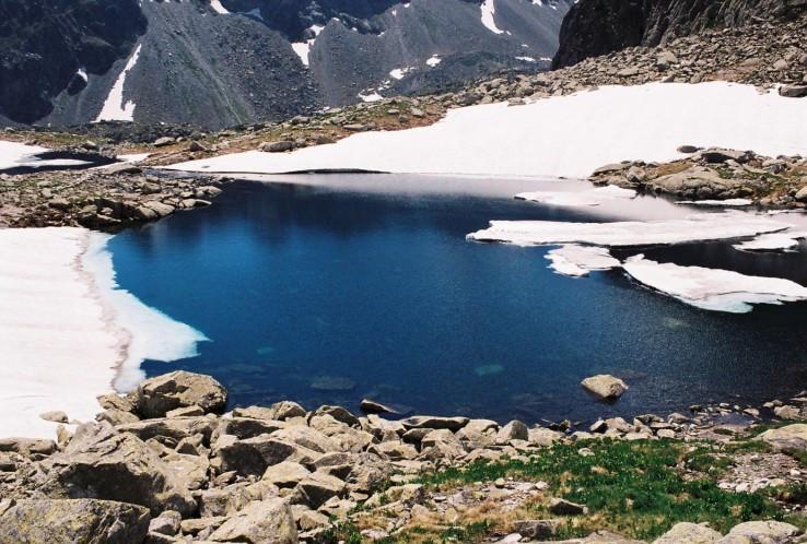 Malá studená dolina koncom júna