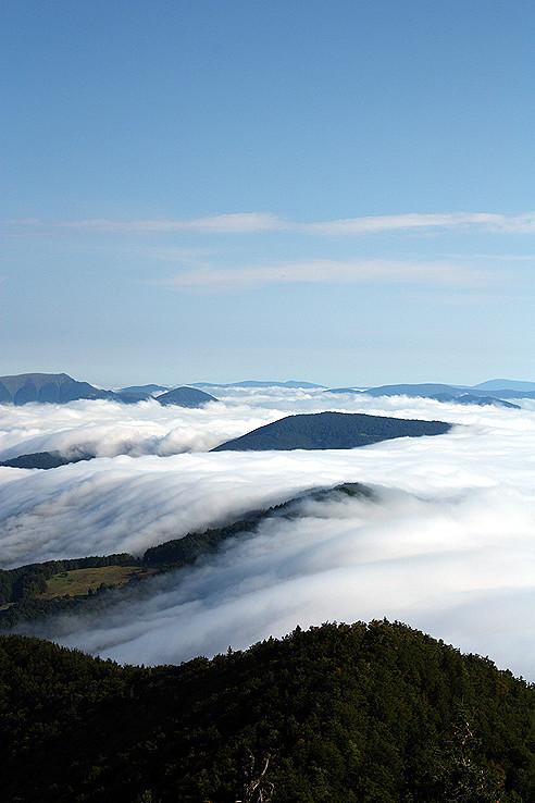 Oblačná láva