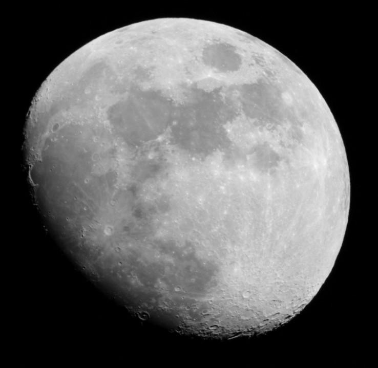 mesiac pred splnom