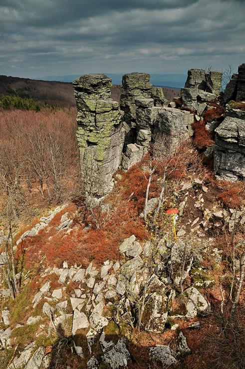 Májové Kláštorské skaly