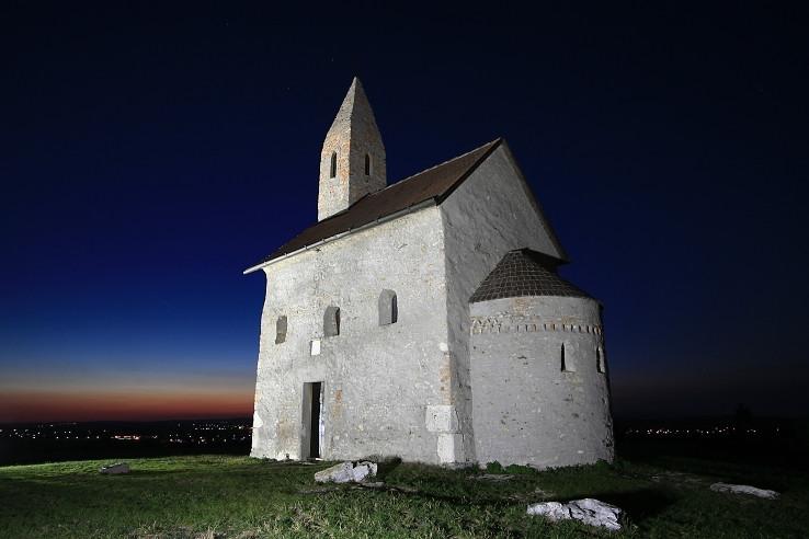 Nočný kostolík...