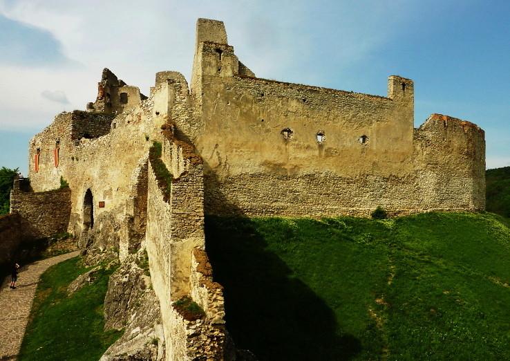 Beckovský hrad II