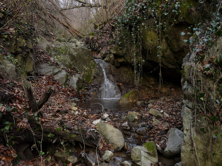 Mikro vodopád vo Fialkovej doline